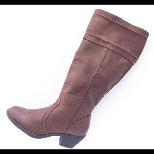 Mossimo tall brown boots 👢